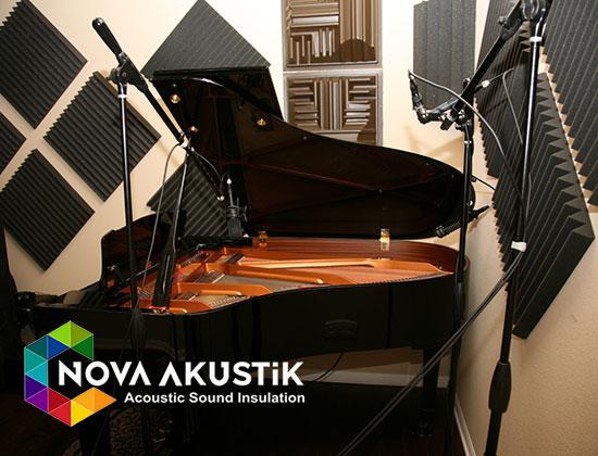 akustik piyano odası sünger kaplama