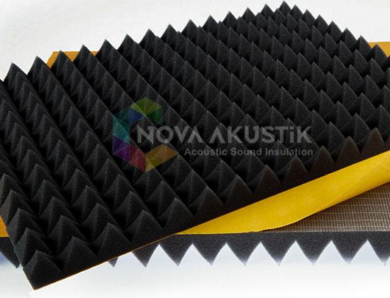 kendinden yapışkanlı akustik piramit sünger